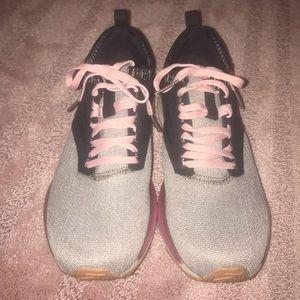 Brooks Running Shoes (Ricoca 3x)